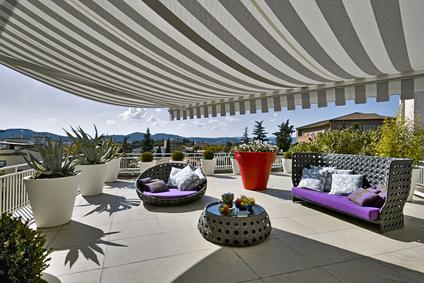 Terrasse mit Markisen verschönern